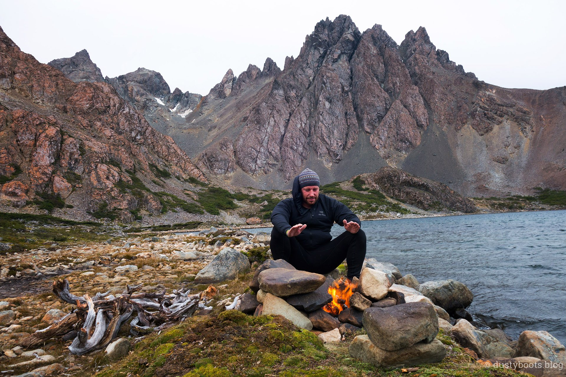 Ein kleines Lagerfeuer macht das Abenteuer-Feeling perfekt
